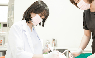 歯科医師写真2